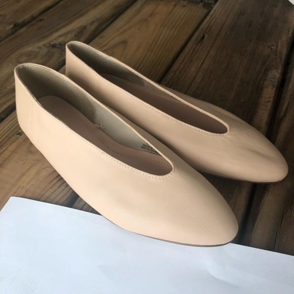 b44a21ead743d Zara leather v-cut ballerina flats - nude, size 36.  M_5b468d10534ef90fa0bbbdef